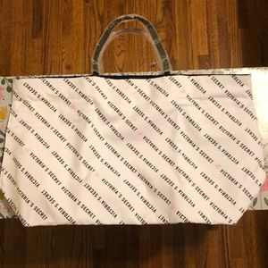 Victoria's Secret Bags - Victoria's Secret Tote Bag 💗